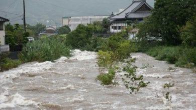 صورة مقتل شخصين و تعليمات لنصف مليون شخص لمغادرة منازلهم جراء أمطار غزيرة في اليابان