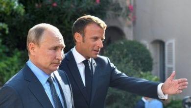 """صورة سجال حادّ حول """"السترات الصفراء"""" بين بوتين وماكرون"""