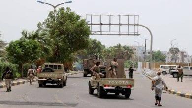 """صورة قوات """"الانتقالي"""" بدأت بالانسحاب من مواقع سيطرت عليها في عدن"""