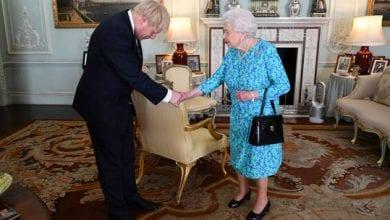 """صورة رئيس مجلس العموم البريطاني: تعليق أعمال البرلمان """"فضيحة دستورية"""""""