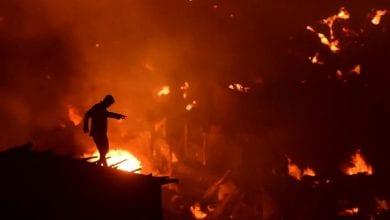 Photo of 10,000 homeless after fire razes Bangladesh slum