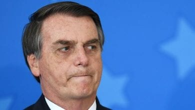 Photo de Jair Bolsonaro a retiré de Facebook son commentaire offensant sur Brigitte Macron