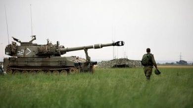 صورة الإحتلال الإسرائيلي يشن غارة جوية على أهداف تابعة لحركة حماس في قطاع غزة