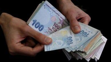صورة الليرة التركية تسجل أضعف مستوياتها منذ 19 يونيو حزيران