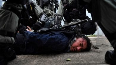 صورة اشتباكات مع الشرطة في شوارع هونغ كونغ