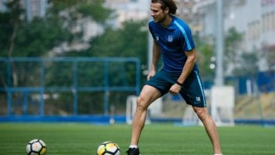 Photo of Former Uruguay captain Forlan announces retirement from football