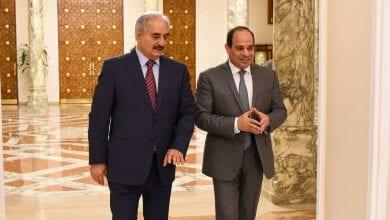 صورة الرئيس المصري يلتقي بحفتر
