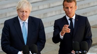 Photo of Macron backs further Brexit talks as Johnson visits