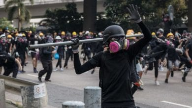 Photo of Violence Flares in Hong Kong As Protesters and Police Clash After Anti-Surveilance Rally