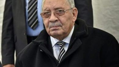 Photo de Chef d'état-major de l'armée algérienne: il est interdit de déplacer des bus et des véhicules transportant des manifestants de l'extérieur de la capitale