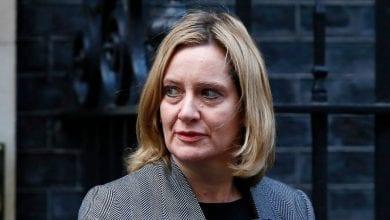 Photo de Premier ministre britannique reçoit une nouvelle claque … La ministre du Travail Amber Rudd démissionne