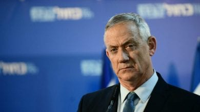 Photo of Netanyahu rival Gantz says he should take PM job in unity government