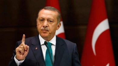 Photo of Erdogan threatens Europe by opening the door to refugees