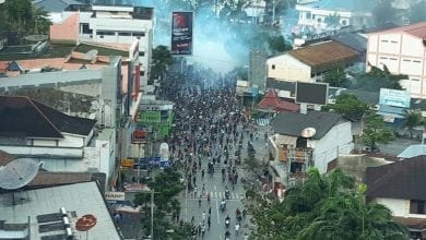 Photo of Indonesia arrests dozens for Papua protests that set buildings afire