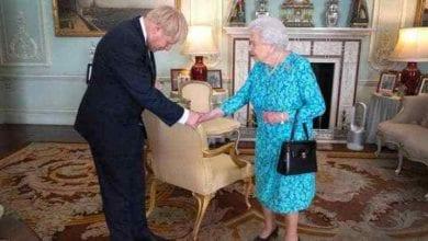 Photo of Queen Elizabeth passes legislation banning Brexit without agreement