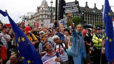 صورة الآلاف من المتظاهرين اليوم  في شوارع لندن للمطالبة بإجراء استفتاء جديد حول بريكست