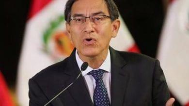 Photo de Martin Vizcarra décide de dissoudre le  Congrès, les parlementaires suspend les fonctions du président