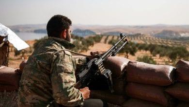 صورة مقتل 15 شخصاً خلال اشتباكات بين مقاتلين موالين لأنقرة ومقاتلين أكراد سوريّين
