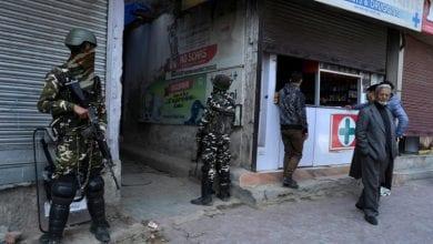صورة مقتل عشرة أشخاص في قصف مدفعي تبادله الجيشان الهندي والباكستاني