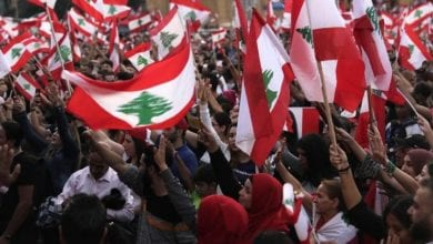 Photo of Lebanese protesters insist on gov't resignation