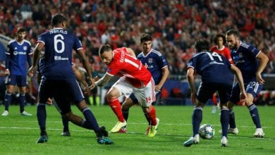 Photo of Portuguese champion Benfica beat Lyon after goalkeeper blunder