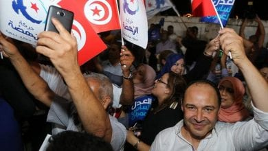 Photo of Tunisian election gives few clues to shape of next government
