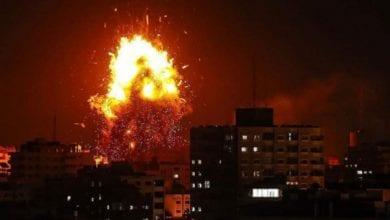 صورة إسرائيل تقصف مواقع فلسطينية في قطاع غزة
