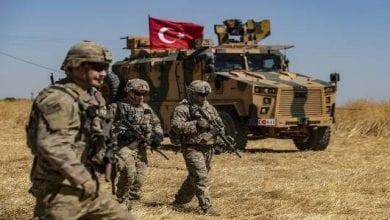 Photo de Les forces du régime turc lancent une attaque contre Aïn issa dans le nord de la Syrie