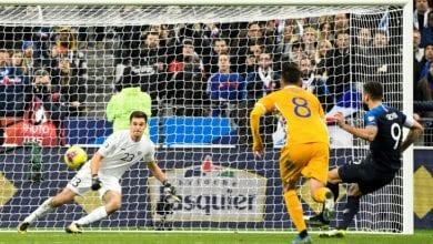 Photo of Giroud penalty lifts France past brave Moldova