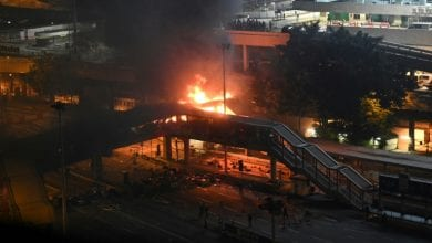 Photo of Fires rage around besieged Hong Kong campus as protesters dig-in