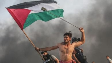 Photo of 'Iconic' image of Palestinian protester in Gaza goes viral