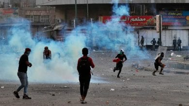 Photo of Iraq officials: 4 protesters die in new Baghdad clashes