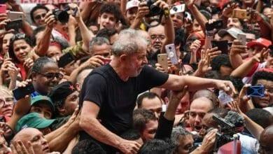Photo de Lula promet de continuer à se battre pour les Brésiliens