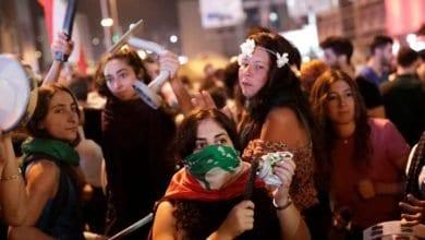 Photo de Mohammad Safadi pour le prochain gouvernement du Liban et les manifestants opposés à ce choix