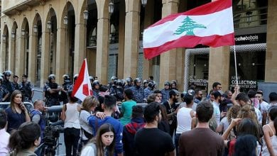 Photo of Lebanon protesters seek to shut down key state institutions