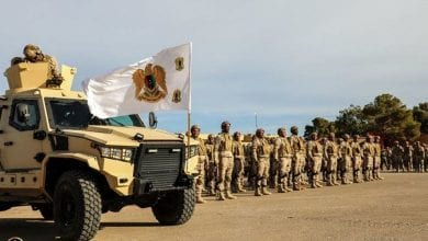صورة شنّ سلاح جو الجيش الليبي غارات على مدينة مصراتة بعد انقضاء المهلة التي منحتها القيادة لسحب مسلحيها من طرابلس وسرت.