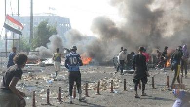 صورة مقتل ثلاثة شبان في المواجهات المستمرة بين الأمن العراقي والمتظاهرين
