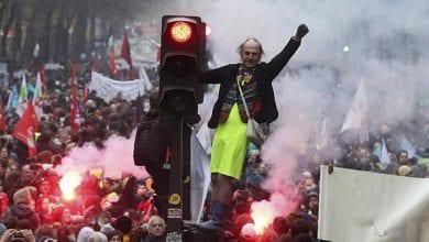 صورة مصافي النفط على طريق الإضرابات في فرنسا