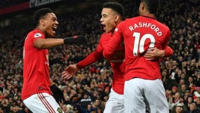 Photo of Martial double fires Manchester United in Newcastle rout