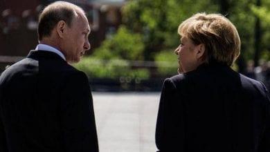 Photo de Poutine et Merkel ont discuté par téléphone de la situation en Libye