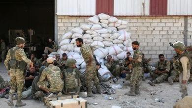 صورة تركيا تفتتح أربعة مراكز لتجنيد المرتزقة من شمال سوريا للقتال في ليبيا
