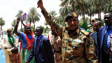 صورة البرهان: لن نسمح بان يحدث انقلاب على ثورة الشعب السوداني