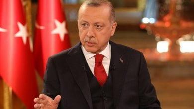 صورة أردوغان يتوعد سوريا بالغزو ويصرّ على بقاء جنوده في ليبيا