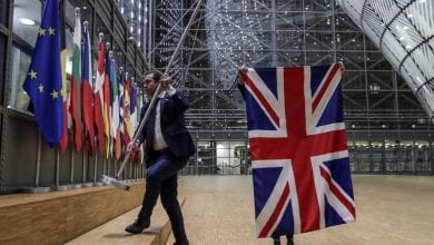 Photo of Britain cuts loose from EU with delight, anger and indifference