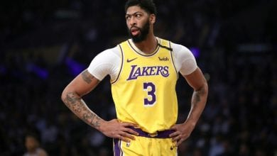 Photo of Davis will travel with Lakers despite bruised backside: reports