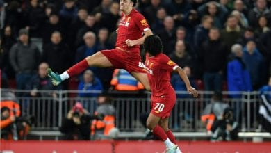 Photo of Liverpool kids sink Everton, Lucas rescues Spurs