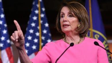 Photo de Pelosi:Le Congrès vote une résolution limitant l'action militaire de Trump en Iran