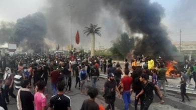Photo of Protesters burn headquarters of Iraqi Hezbollah militia in Najaf