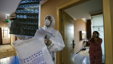 Photo of China coronavirus death toll nears 1,400, US bemoans 'lack of transparency'