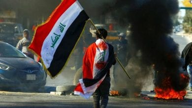 Photo of Clashes in Iraq's Najaf kill seven after al-Sadr's followers storm protest camp